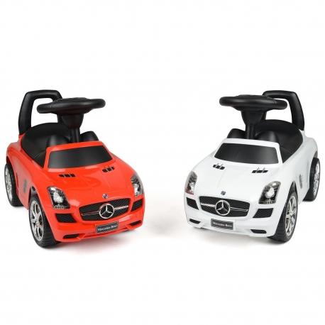 Mercedes-Benz užsėdama mašina - paspirtukas