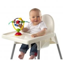 Playgro limpantis prie staliuko